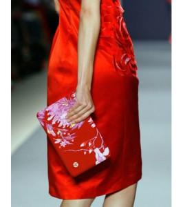 HP's Mini-clutch was designed by fashion celeb, Vivienne Tam.